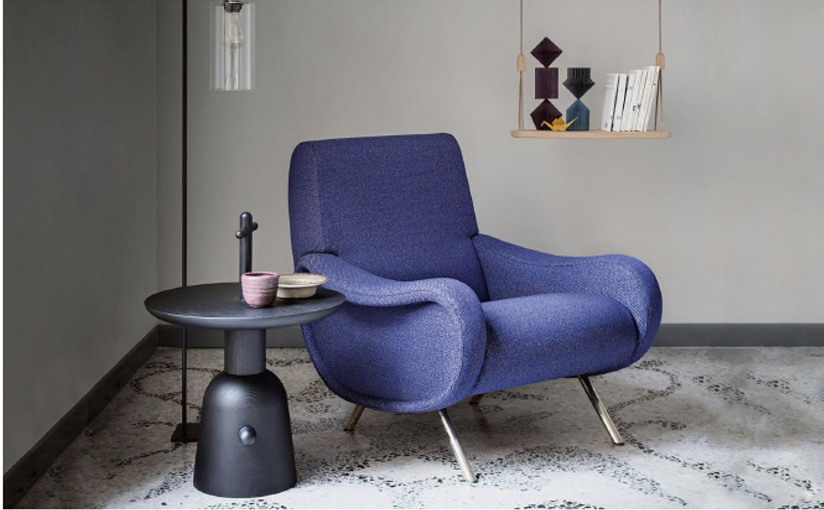 Cassina: Lady Lounge Chair - Arkitektura Assembly